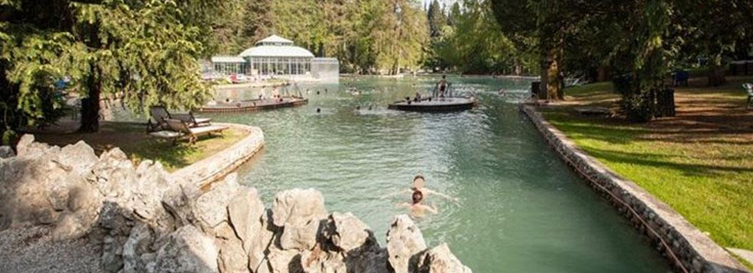 Villa dei Cedri esterno piscine